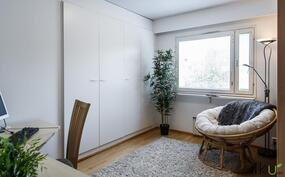 Toinen makuuhuone soveltuu hyvin työhuoneeksi tai lastenhuoneeksi