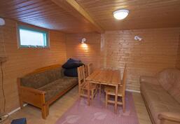Saunaosaston yhteydessä oleva oleskeluhuone