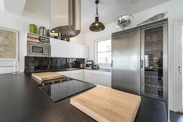 Kaunis, toimiva keittiö