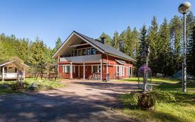 Laadukkaasti rakennettu ja hyvin pidetty omakotitalo Muhoksen Laitasaaressa, Käpytiellä!