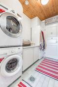 Käytännöllinen kodinhoitohuone - kotityötkin on kiva tehdä hyvässä ympäristössä