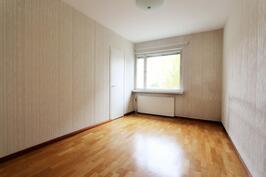 2.makuuhuone sijaitsee keittiön vieressä