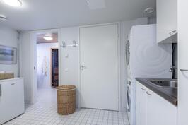 Kodinhoitohuoneen erillinen sisäänkäynti