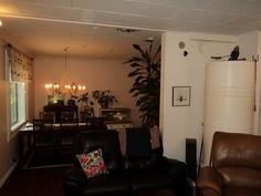 Olohuone ja ruokailuhuone