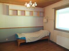 Makuuhuoneesta 1