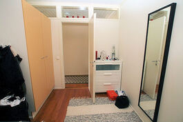 Makuuhuone 3:n kaapistot
