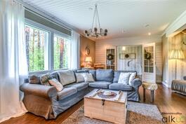 Kodin kauniit ja valoisat tilat ihastuttavat!