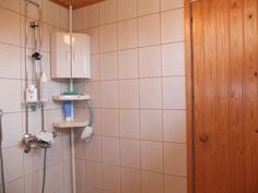 Kylpyhuoneen suihkunurkkaus