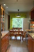 keittiötä/ruokailutilaa