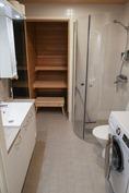 Kylpyhuone valmiista asunnosta