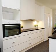 Esimerkkikuva keittiöstä, rakentajan edellinen kohde