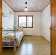 Yläkerran 2. makuuhuone