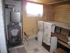 sauna (kellarikerroksessa)
