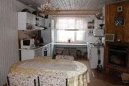 Kuva keittiöstä(3)