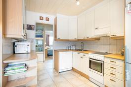 tilaa keittiössä