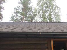 päärakennuksen vähäinen kattopainuma
