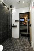 Kaunis kylpyhuone kokenut muodomuutoksen v. 2015.