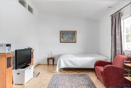 Makuuhuone, tämän yhteydessä vaatehuone