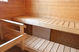 oma sauna, saunassa ikkuna