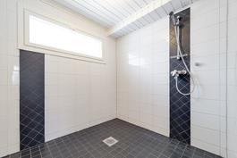 Kylpyhuone uusittu 2012
