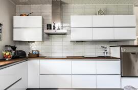 Tyylikäs keittiö remontoitu täysin 2013