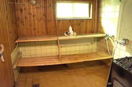 Sauna/pesuhuone alkuperäisessä osassa.
