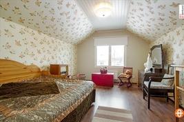 Yläkerran makuukuone-1