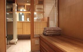 Kylpy-/saunaosaston pukuhuone