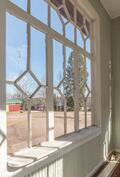 Vanhan koulun upeita ikkunoita