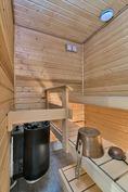 v 2002 rakennettu sauna