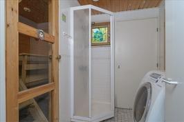 kylpyhuone josta ovi ulos