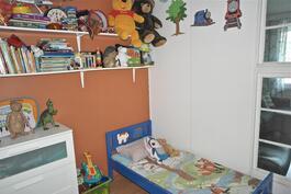 vaatehuoneesta tehty tila lapselle