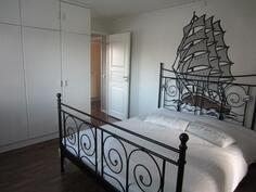 Keskikerroksen makuuhuone