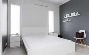 makuuhuone 1, joka kalustettavissa usealla tavalla