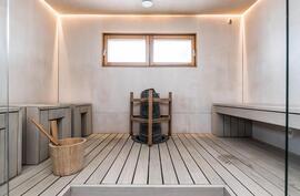 yksilöllinen tilava valoisa sauna