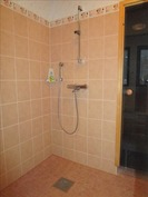 2013 remontoitu kylpyhuone