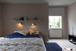 Main bedroom, yläkerta