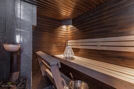 Piharakennuksen sauna