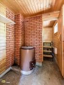 Pesuhuoneen yhteydessä myös pukuhuone