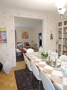 Ruokahuone/kirjasto johon saat vaikka makuuhuoneen