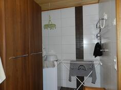 Kph kodinhoito-osio pyykkikaappeineen
