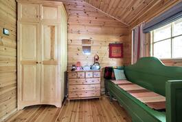 Päämökin pikkuhuone