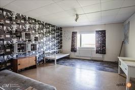 Makuuhuone 2 (yläkerta)