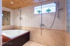 Sauna pesuhuone + amme
