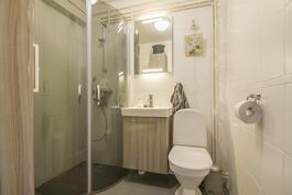 Kylpyhuone uusittu 2009