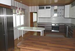 moderni keittiö uusittu 2013