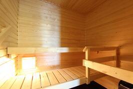 Sauna odottaa kylpijöitä