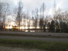 Näkymä parkkipaikalta Päijänteen Majutvedelle