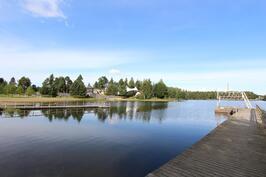 Apianniemen uimaranta ja monipuoliset ulkoilumaastot vain kivenheiton päässä.