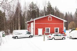 autohalli 157 m²